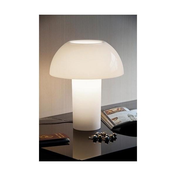 Lampe de table colette en polycarbonate blanc pedrali for Lampe de table blanche