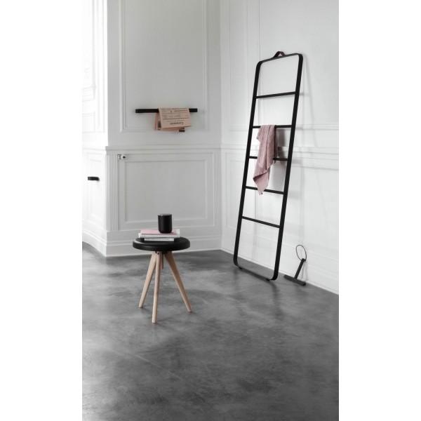 porte serviettes design en alu poxy noir 60 cm de menu. Black Bedroom Furniture Sets. Home Design Ideas